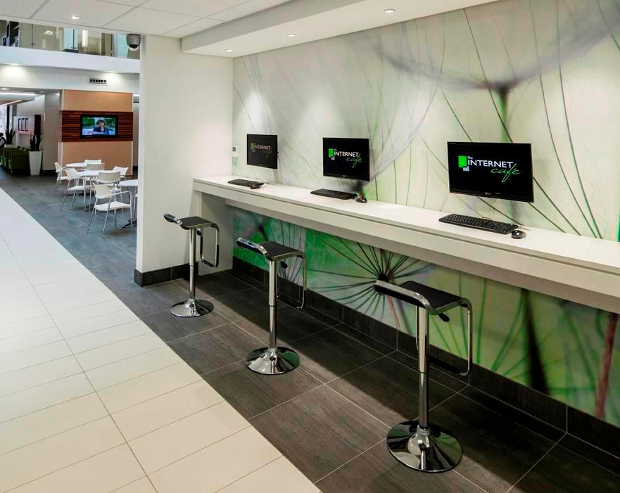 High Speed internet cafe at The Business Centre